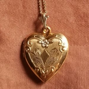 Jewelry - Vintage Heart Shaped Gold Filled Locket & Chain
